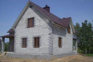 Особенности строительства домов из пеноблока